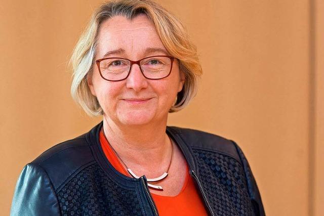 Leistungsbezüge: Was wusste die Ministerin – und wann?