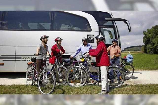 Mit Rad und Bus bequem ans Ziel