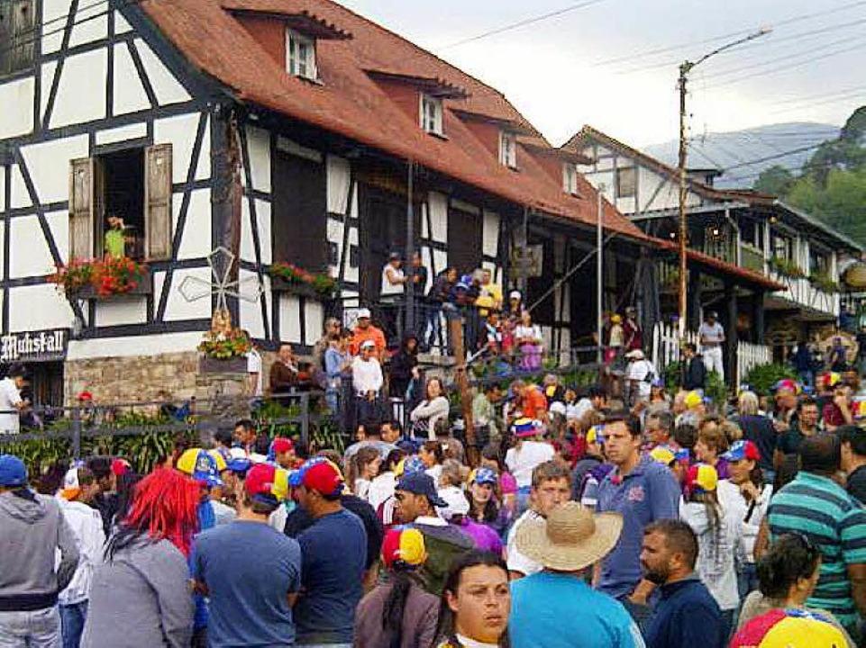 Bereits 2014 hatte es Proteste in der ...eses Foto vor dem Café Muhstall zeigt.  | Foto: Privat