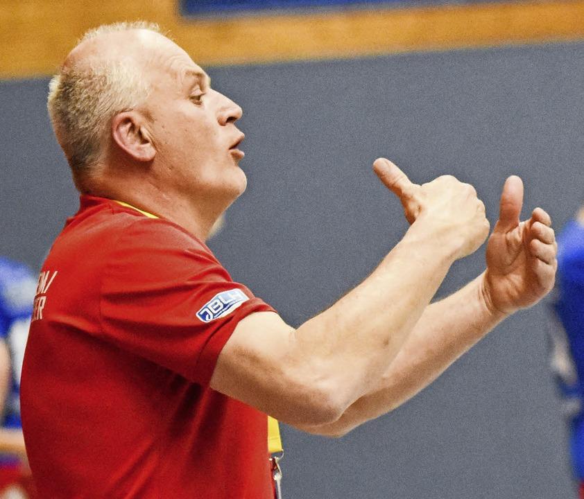 Gefordert am Spielfeldrand: Trainer Jürgen Brandstaeter   | Foto: sek