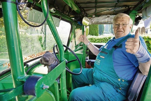 81-Jähriger fährt mit Trecker von Deutschland nach St. Petersburg und zurück