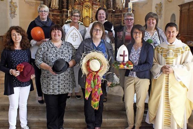 Hüte symbolisieren Arbeit und Werte