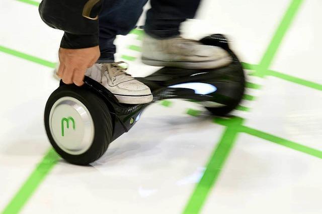 Polizei stoppt Kind auf Hoverboard