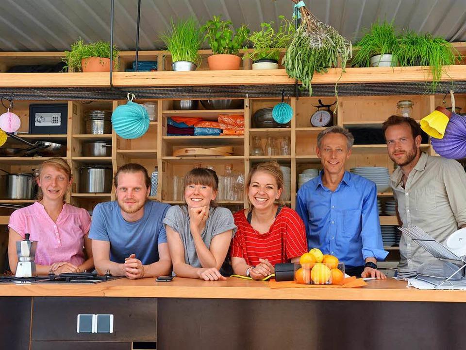 Inga Schwarz, Daniel Schoon, Agnes Dis...s Niepenberg im Container (von links).  | Foto: Barbara Ruda