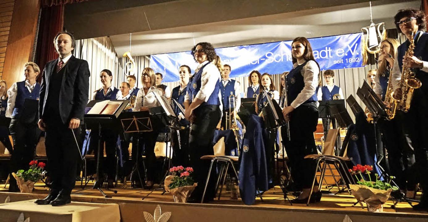 Sie genossen den Applaus: Dirigent Dir...r Musikverein Wolfenweiler-Schallstadt    Foto: Julius Wilhelm Steckmeister
