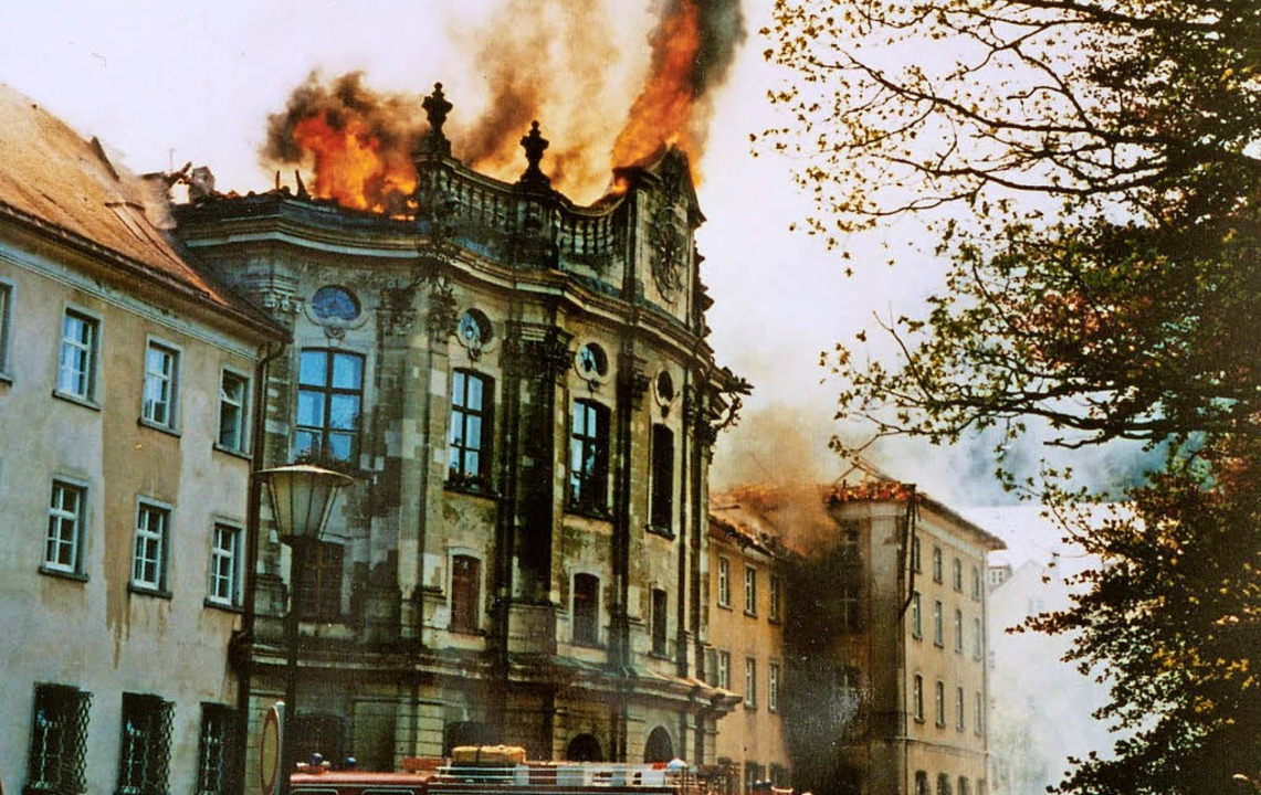 Beim Brand  am Freitag vor Pfingsten  ...ls des Kollegs St. Blasien zerstört.    | Foto: Feuerwehr St. Blasien