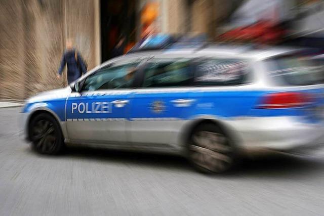 Lörrach: Zwei Autos kollidieren an der Autobahnausfahrt