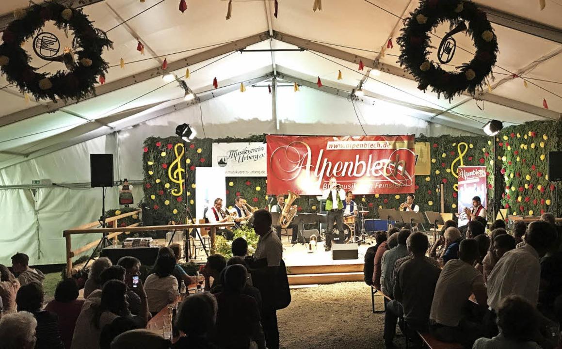 Impressionen vom Konzert des Ensembles...#8220; am Samstag im Urberger Festzelt  | Foto: Verein