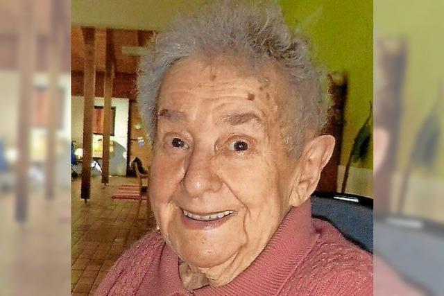 Erika Schultze wird 90 Jahre alt