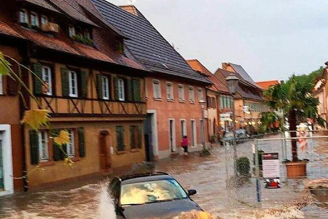 Überschwemmung in Endingen – zahlreiche Keller überflutet