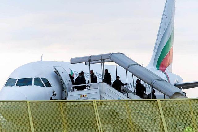 Bundesregierung stoppt Abschiebeflug nach Anschlag in Kabul
