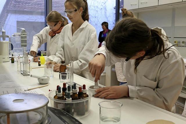 Landesweite Woche der Industrie mit Tag der Chemie und anderen Aktivitäten in Rheinfelden und Grenzach-Wyhlen