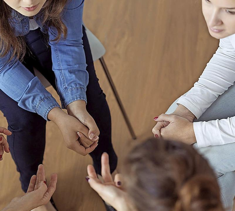 In Selbsthilfegruppen können Betroffene sich austauschen und helfen.    | Foto: Photographee (Fotolia)