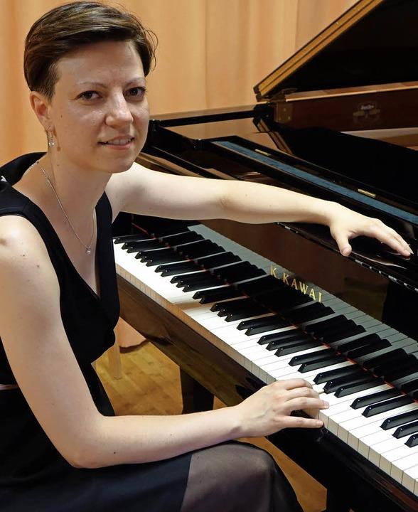 Die junge rumänische Pianistin Ioana I...isationskunst zu Beifallsstürmen hin.     Foto: Roswitha Frey