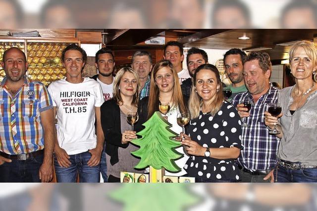 Statt Vatertag: Dorfhock in Brandenberg im Juli