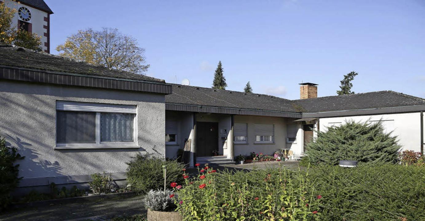 Im alten Pfarrhaus in Ottenheim sind Flüchtlinge untergebracht.   | Foto: Christoph Breithaupt