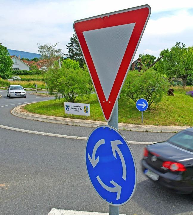 Die Umgehung von Grenzach-Wyhlen soll keinen Kreisverkehr bekommen.   | Foto: Uwe Anspach/dpa