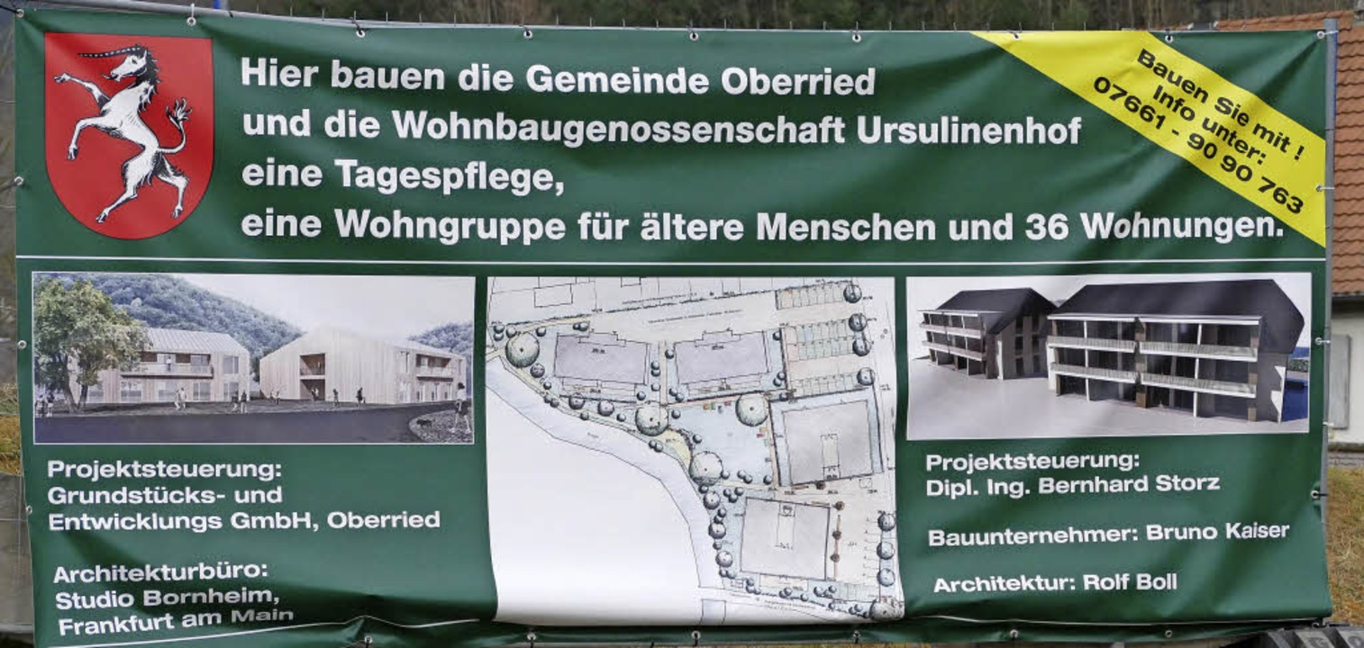 Werbetransparent für die beiden Baupro...Ursulinenhof in der Gemeinde Oberried.    Foto: Markus Donner