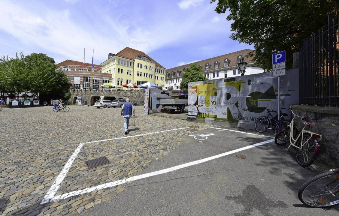 Solange gebaut wird, hat der Anwohner diesen Parkplatz.    Foto: i. schneider
