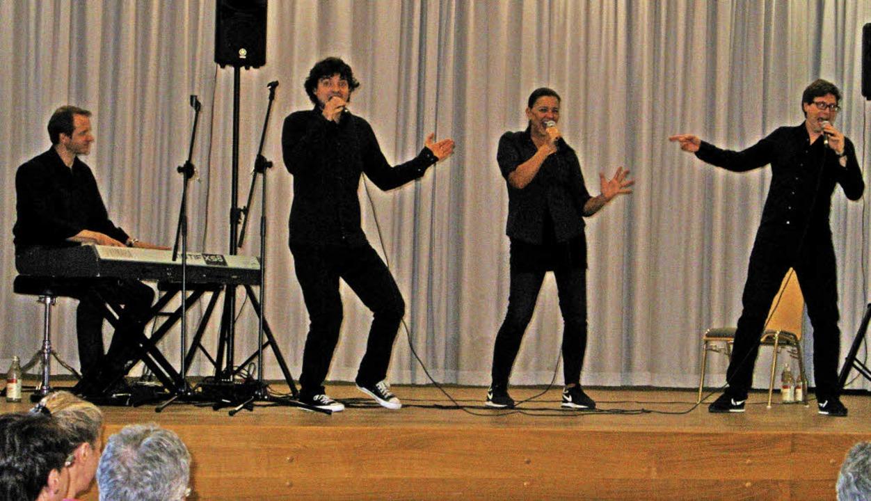Der Pianist und die drei Schauspieler ...ßerste. Zwei Zugaben wurden verlangt.     Foto: Ulrike Spiegelhalter