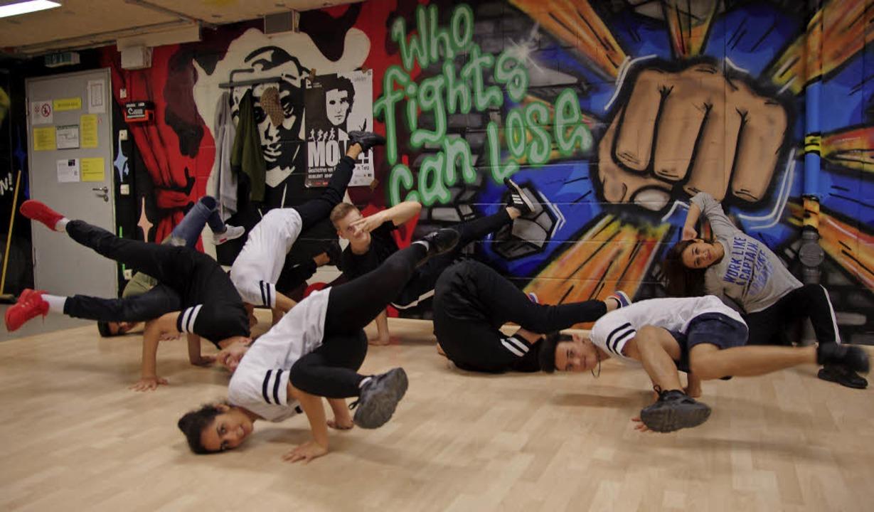 "HipHop ist ihre Leidenschaft: die Juge... des Tanztheaters ""move!""     Foto: Constantin Hegel"