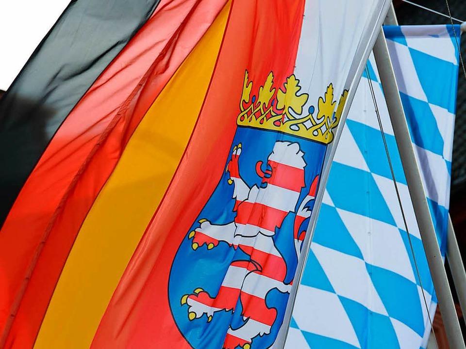 Die Geberländer Bayern und Hessen hatt...rigen Länderfinanzausgleich  geklagt.   | Foto: dpa