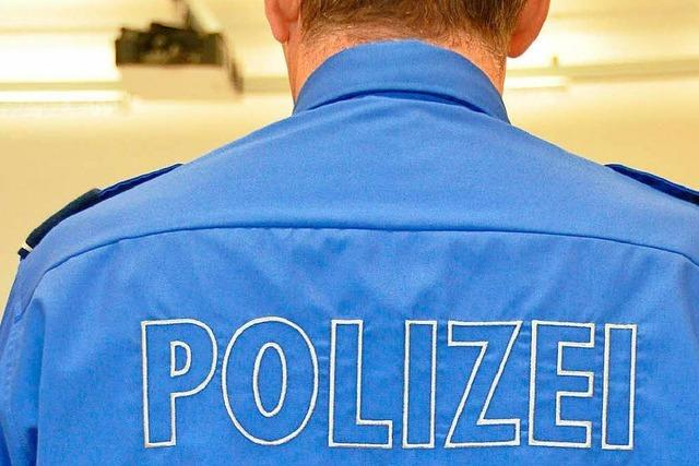 Deutscher Raser muss sein Auto in der Schweiz stehen lassen