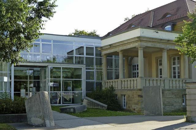 Referentin Karin Bolanz referiert über Wechselspiel von Kräutern und Wein in Müllheim