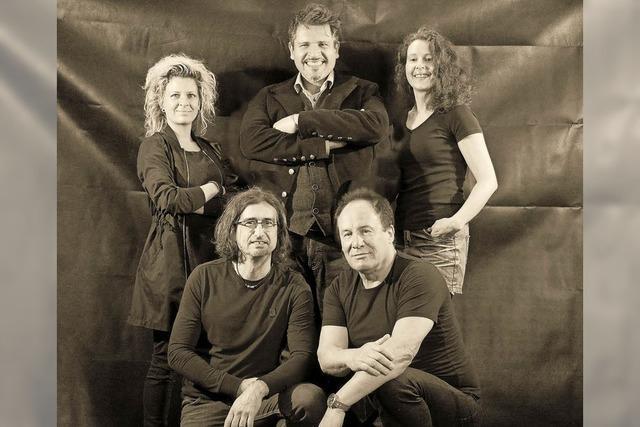 Die Band Blues World spielt in Emmas Seegarten in Schutterwald