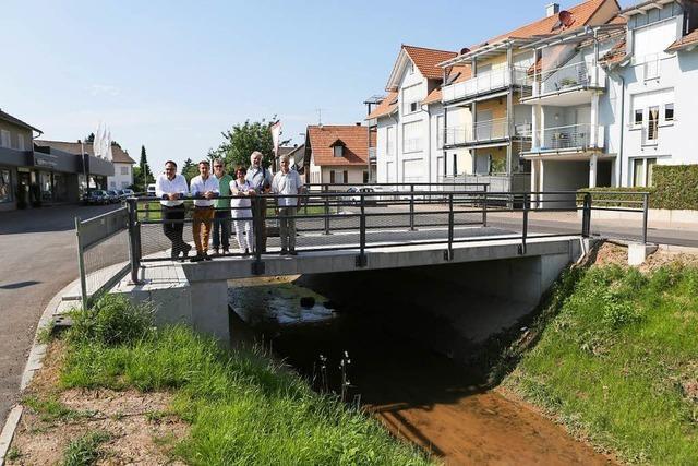 Die Brücke am Omisweg ist fertig
