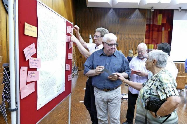 Bürger neigen zu Rathaus in Wyhlen