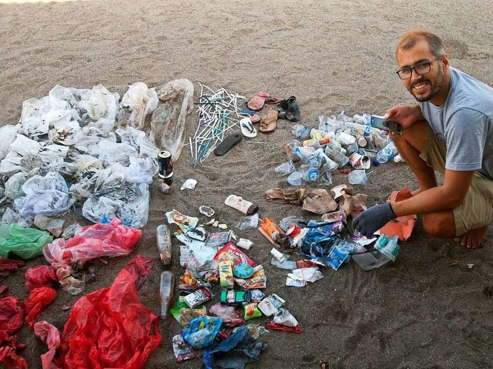 Kuchendiagramm aus Müll: Paritosha Kob...en Müllsammelaktion am Strand von Bali    Foto: Making Oceans Plastic Free