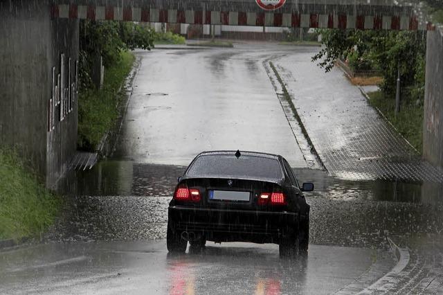 Erneut Gewitter mit Regengüssen