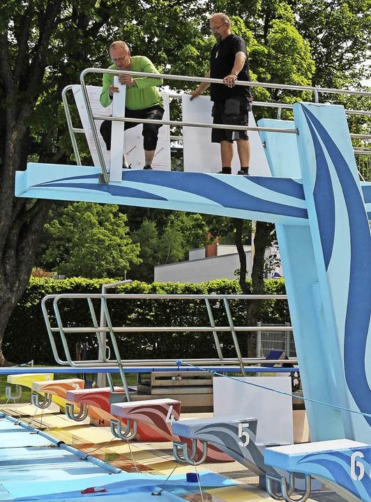 schilder schwimmbad zugang becken