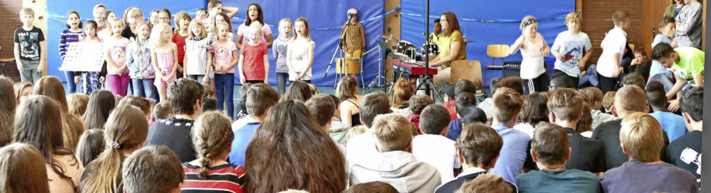 Die Musiklehrerinnen Constanze Capelle...r Fürstabt-Gerbert-Schule vorbereitet.    Foto: Sebastian Barthmes