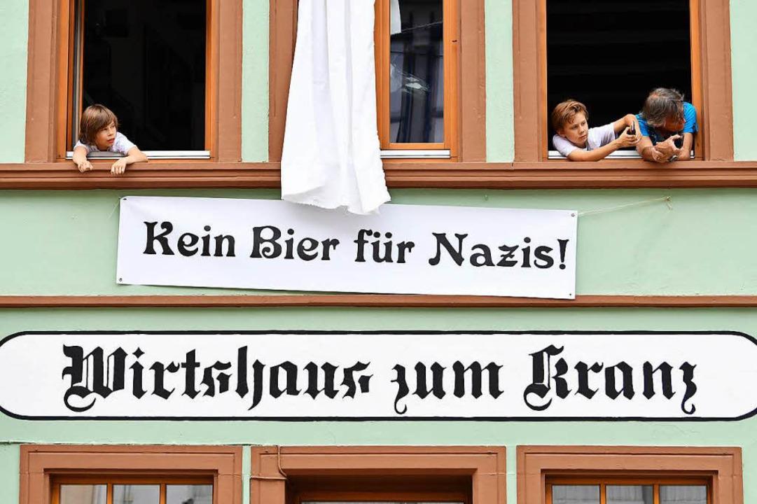 In diesem Wirtshaus gibt es kein Bier für Nazis.  | Foto: dpa