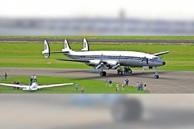 Oldie-Airliner hat technische Probleme