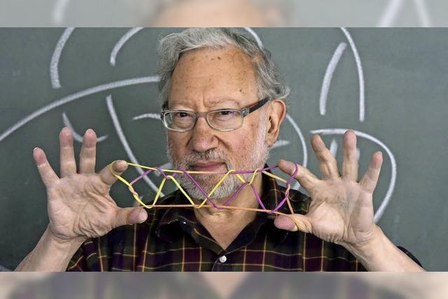 Untypischer Mathematiker: Louis H. Kauffman löst Knoten nicht nur theoretisch