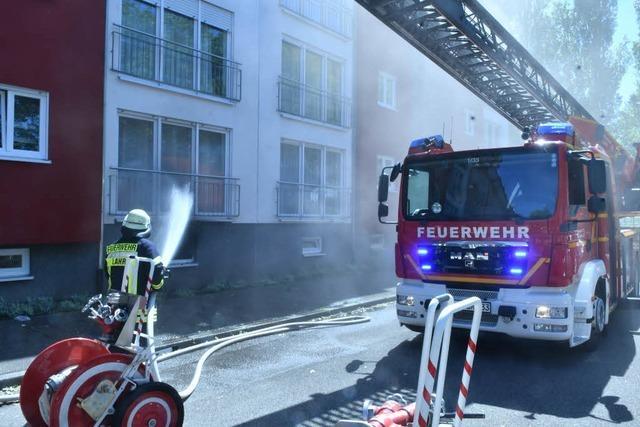 Feuerwehr löscht zwei Kellerbrände in kurzer Zeit