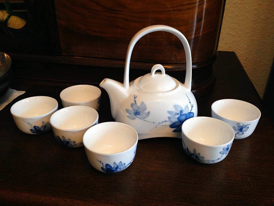 Das chinesische Teeservice hat das Ehepaar Sprung direkt aus China mitgebracht.    Foto: schnapp.de