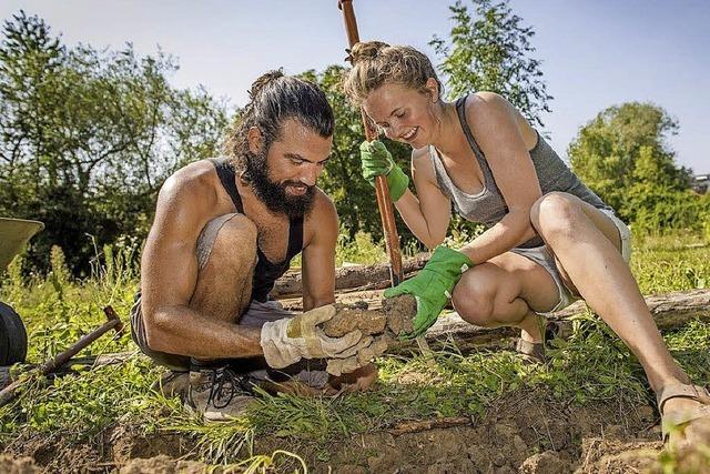 Gartenarbeit ist auch bei jungen Leuten wieder in Mode