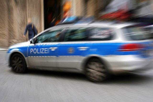 Lörrach: Polizei verfolgt Autoknacker