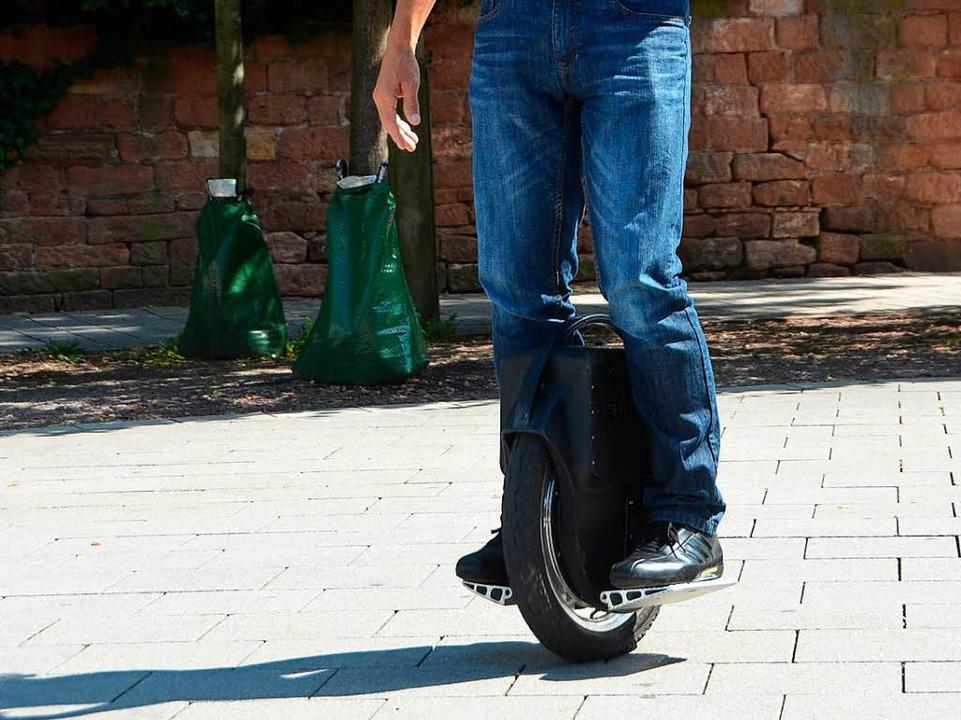 Erobern auch in Freiburg immer mehr We... sie nicht überall rollen: Monowheels.    Foto: Susanne Ehmann