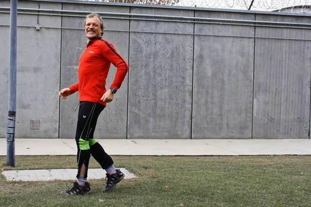 Kanderner knackt Weltrekord im 100-Kilometer-Rückwärtslaufen