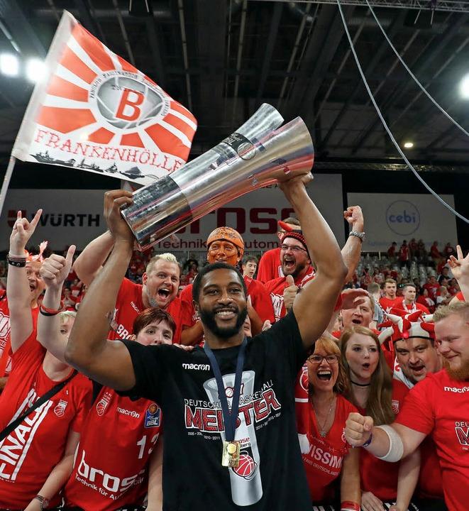 Die dritte Meisterschaft in Serie   | Foto: DPA