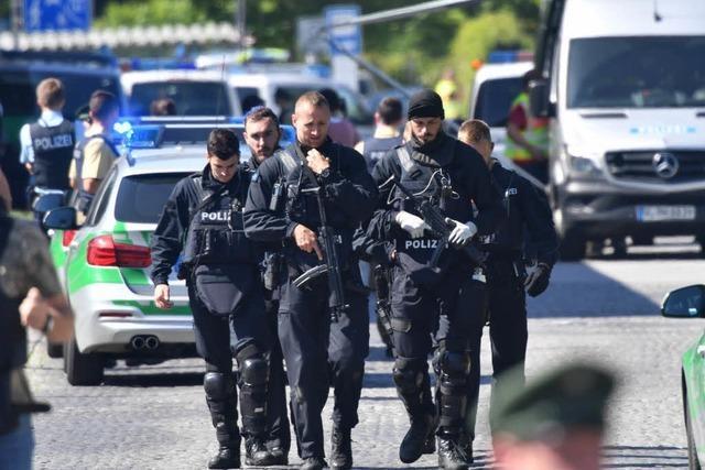 Schüsse im S-Bahnhof: Mann trifft Polizistin in den Kopf