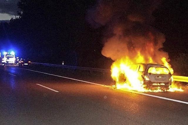 Autobrand auf der A 5