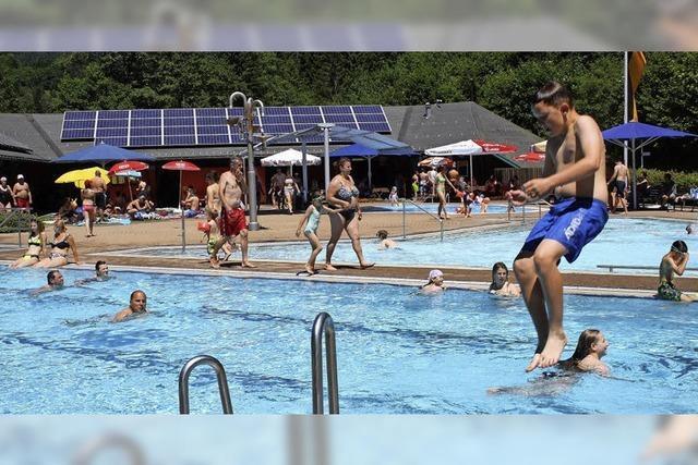 Die Badesaison im Aqua-Treff ist eröffnet