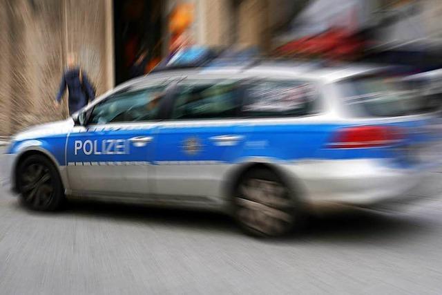 Autofahrer flüchtet vor Polizeikontrolle – Verfolgungsfahrt durch Hauingen und Brombach