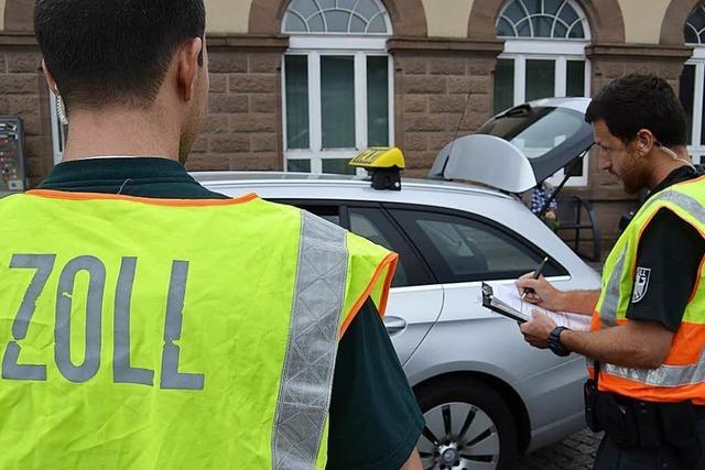 Zoll prüft Taxigewerbe im Kreis Lörrach auf Mindestlohn
